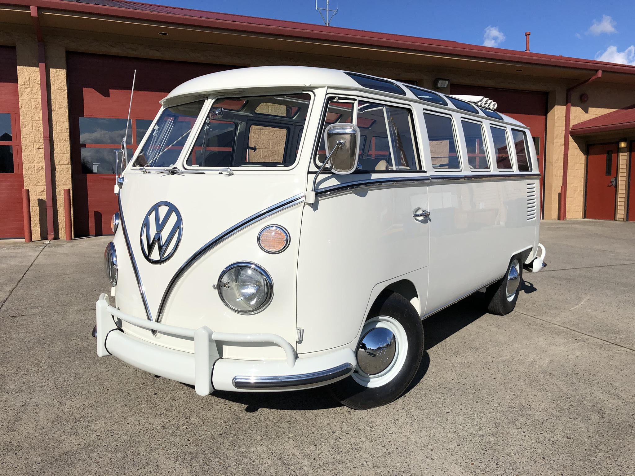 1966 Volkswagen 21 Window Deluxe Lotus White Bus