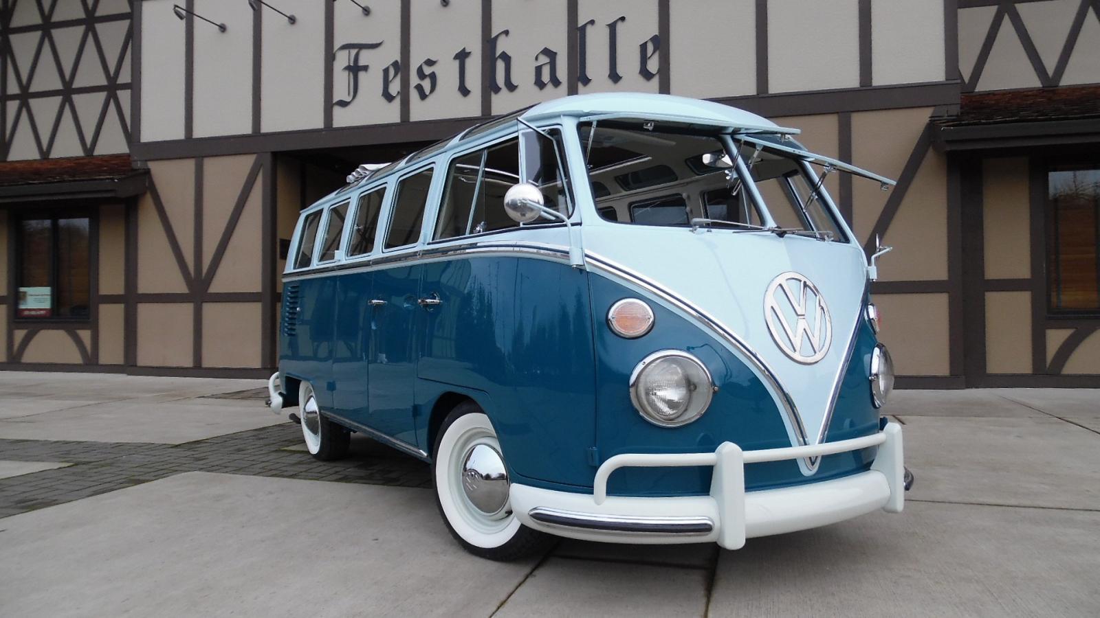 1965 Volkswagen 21 Window Deluxe Microbus