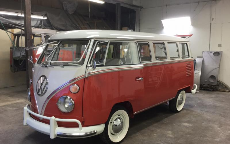1963 volkswagen 15 window deluxe microbus silver lining for 1963 vw bus 23 window